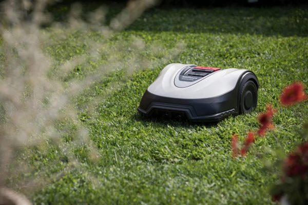 Miimo HRM3000 Robotic Lawn Mower cutting grass