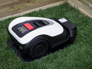 Miimo HRM3000 Robotic Lawn Mower charging