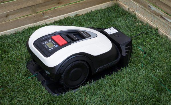 Miimo HRM3000 Robotic Lawn Mower charging