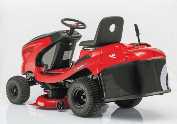 Solo AL-KO T15-93.7 HD V2 ride on lawn mower